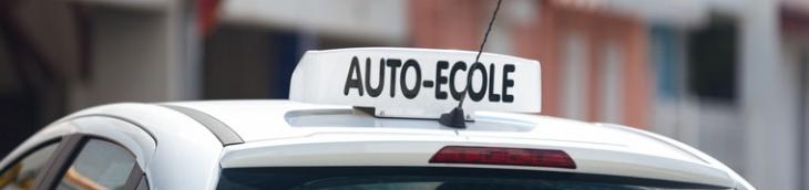 Avancer l'âge minimum pour obtenir un permis de conduire coûtera cher à tous les assurés