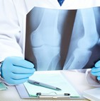 Assurance maladie actes techniques medecins