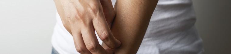 L'Anses tire la sonnette d'alarme face aux allergies provoquées par les persulfates