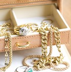 Assurance biens précieux (bijoux, métaux...) et objets de valeur (œuvres d'art, collections...)