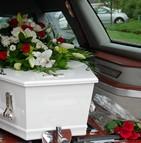 Comment les entreprises de services funéraires s'adaptent-elles aux besoins évolutifs des clients ?