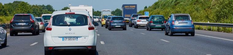 Les déchets jetés sur l'autoroute durant les vacances en appellent au civisme des Français