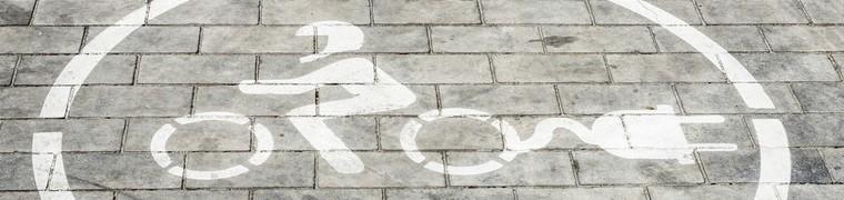 Des motos électriques sont mises sur le marché marocain pour promouvoir la mobilité durable
