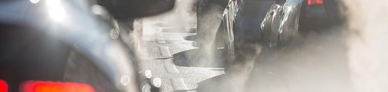 La pollution de l'air par les véhicules roulants à motorisation thermique inquiète l'Anses