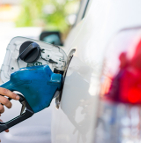 Le prix de l'essence augmente, la vente des voitures électriques flambe