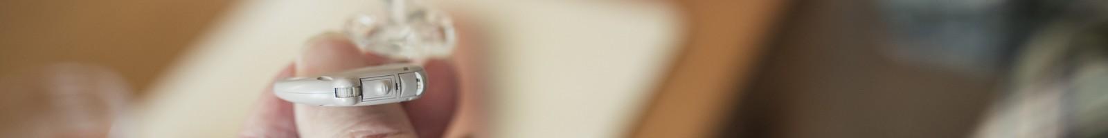 Les prix des prothèses auditives ont baissé pour anticiper l'application du reste à charge zéro