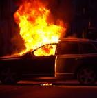 Les risques d'incendie de voitures et les dispositions à prendre selon Allianz Suisse