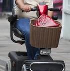 Scooters personnes mobilité réduite transports en commun