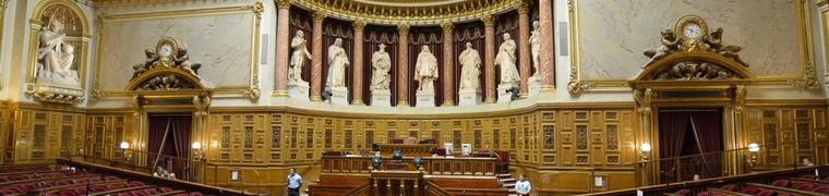 Le Sénat a voté une hausse de 40 % de la taxe sur les complémentaires santé