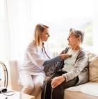 Les soins médicaux à domicile ne sont que partiellement couverts par la CPAM