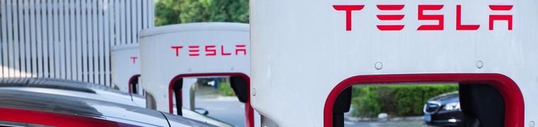 Tesla ébranle la concurrence avec ses voitures électriques