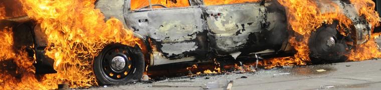 La voiture brûle chez le garagiste, aucun des assureurs ne veut payer, quels sont les recours ?