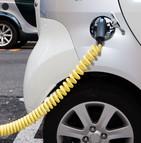 Les voitures hybrides et électriques gagnent du terrain en France